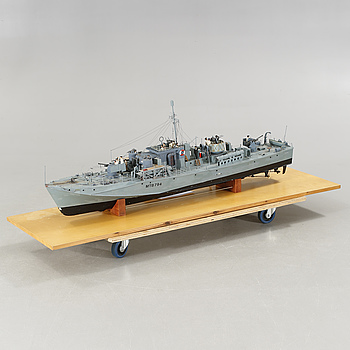 A boat model, from the latter half of the 20th century.