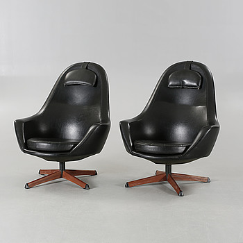 A pair of 1960s armchairs, 'Safir', by Hans Olsen for Göte-Möbler, Nässjö AB, Sweden.