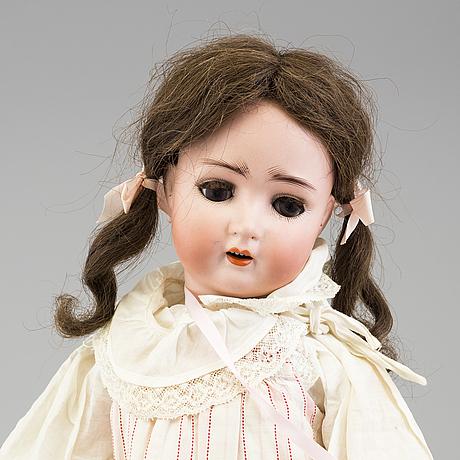 A alt beck & gottschalk porcelain doll from 1912