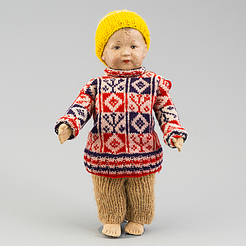 a 1920's/-1930's doll.