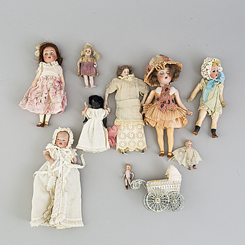9 German porcelain dolls and 1 stroller from the 1910-/20's.