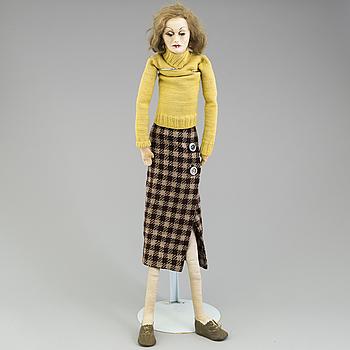 a 1920's/-30's Greta Garbo doll.