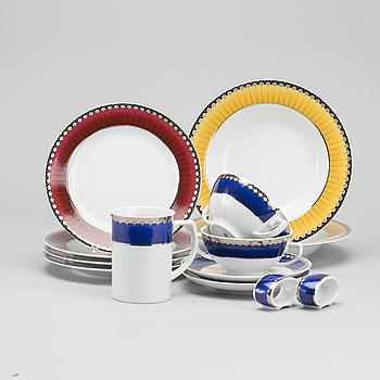"""SERVISDELAR, 43 delar, """"Christineholm"""" eller """"Marianne Royal Blue"""", Millenium 2000, design Sigvard Bernadotte."""
