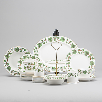 "A 70 PIECES PORCELAIN SERVICE MODEL ""Imperial Ivy"", Wedgwood. England."