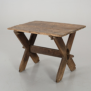 19Th CENTURY TABLE.