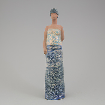 LISA LARSON,  figurin, i form av kvinna med barn, studio Gustavsberg.