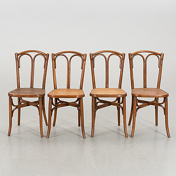 A SET OF 4 THONET STYLE BENTWOOD CHAIRS FROM THE FIRST HALF OF 20TH CENTURY.