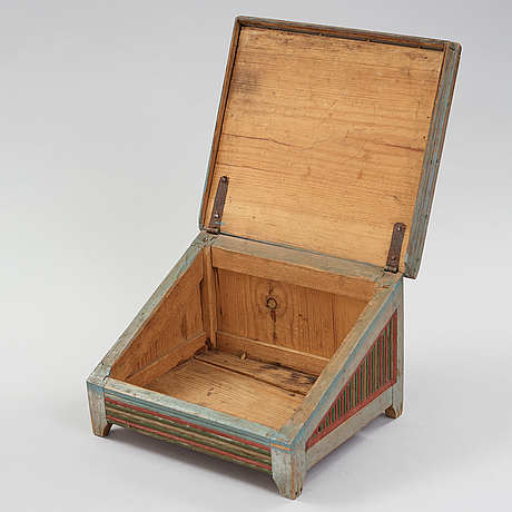 A swedish wooden box from the 19th century.