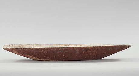 Two wooden bowls from the 19th century.