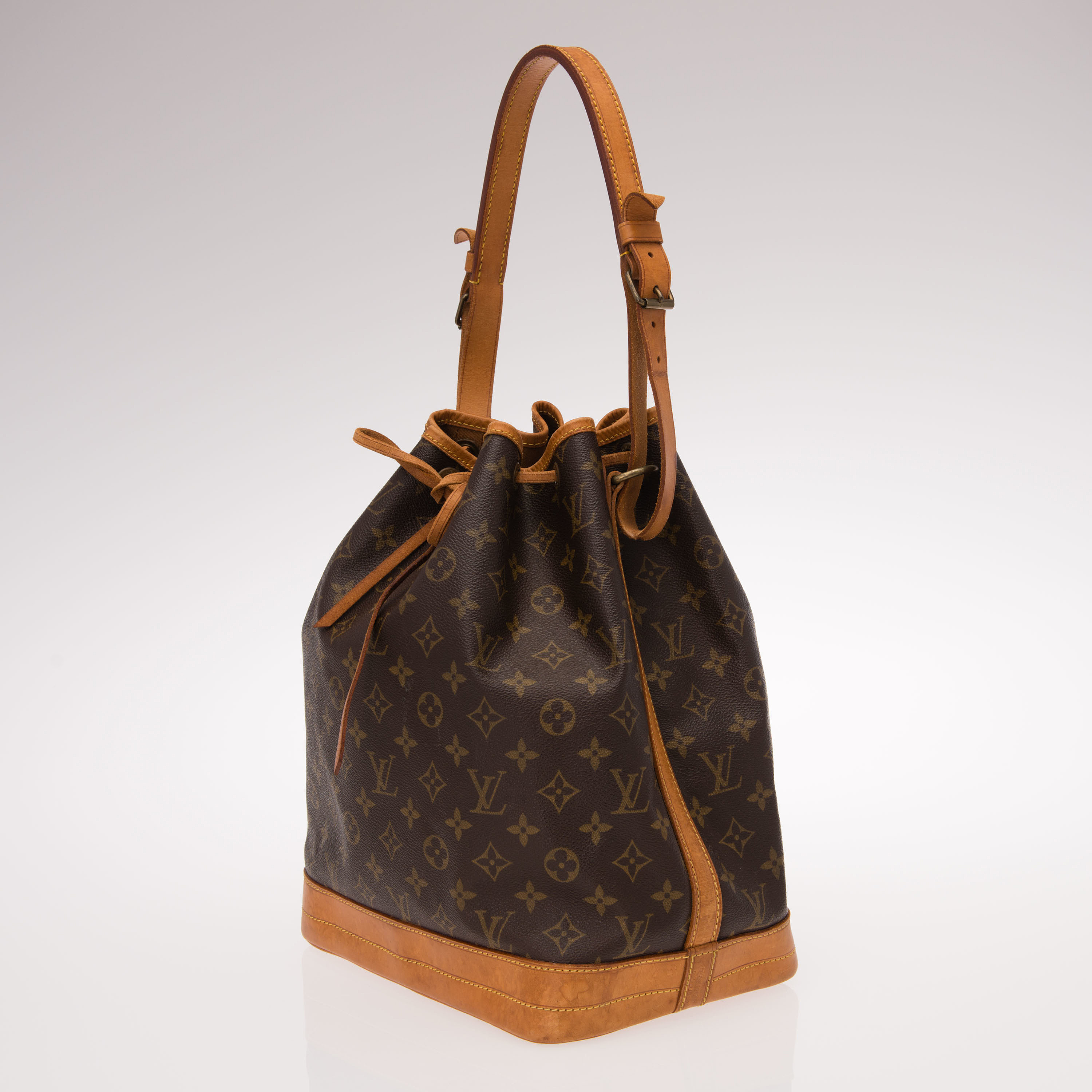 Louis Vuitton Aito Laukku : Louis vuitton quot no? laukku bukowskis