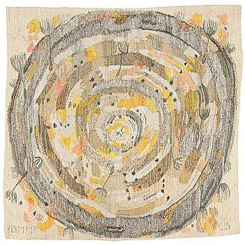 """179. CHRIS BERGLUND, VÄVD TAPET, """"Maskrosboll"""", gobelängvariant, ca 89 x 90 cm, signerad AB MMF CB."""