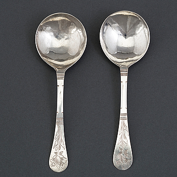 A pair of Norwegian silver spoons, unmarked, possibly early 18th century.