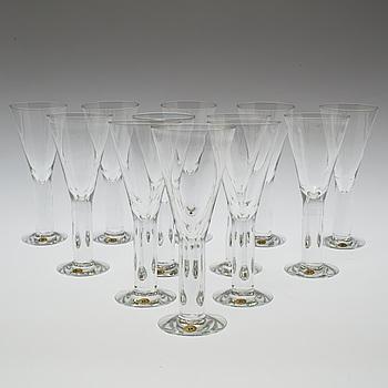 MARGARETA HENNIX, A set of twelve 'Basic' wine glasses design by Margareta Hennix,  Reijmyre Glasbruk.
