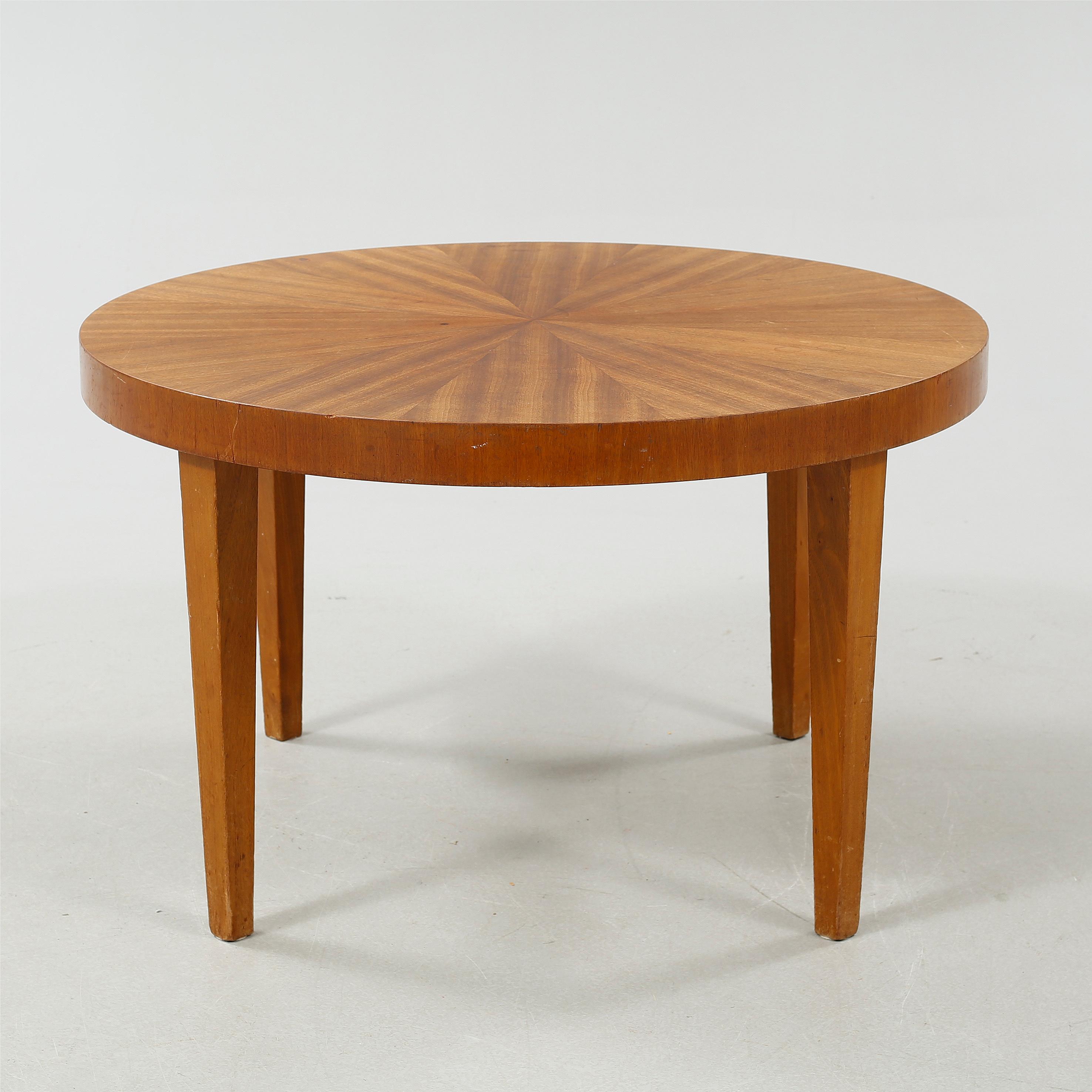 A 1930s coffee table by Nordiska Kompaniet Bukowskis