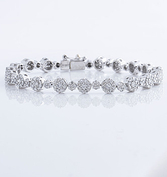 ARMBAND, med briljantslipade diamanter ca 5.60 ct.