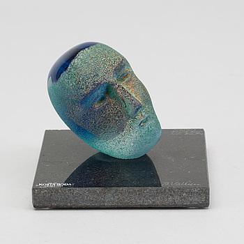 BERTIL VALLIEN, BERTIL VALLIEN, sculpture glas. Signed. No 7175013. Limited edition 500. Kosta Boda.