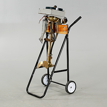 An early 20th century rowboat motor  by Evinrude Detachable Rowboat Motor Company, Milwaukee in Wisconsin.