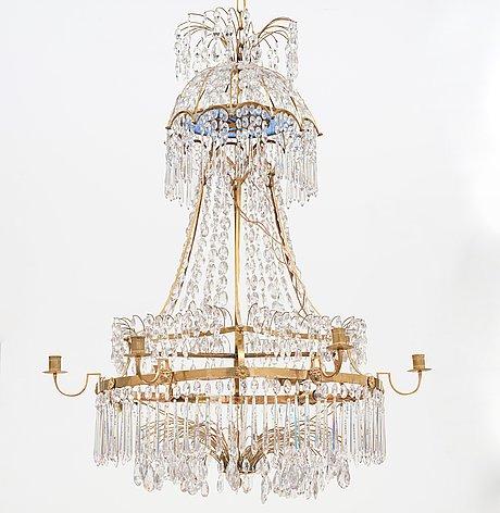 Ljuskrona, för sju ljus, sengustaviansk, omkring år 1800.