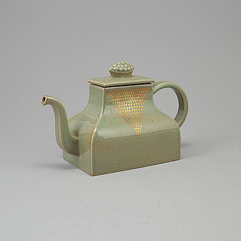 """SIGNE PERSSON-MELIN, a """"Kinesen"""" tea-pot by Signed Persson-Melin for Rörstrand."""
