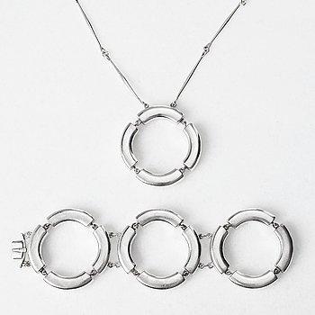 87. ASTRID FOG, halsband och armband, Georg Jensen, Köpenhamn, ca 1970, sterling.
