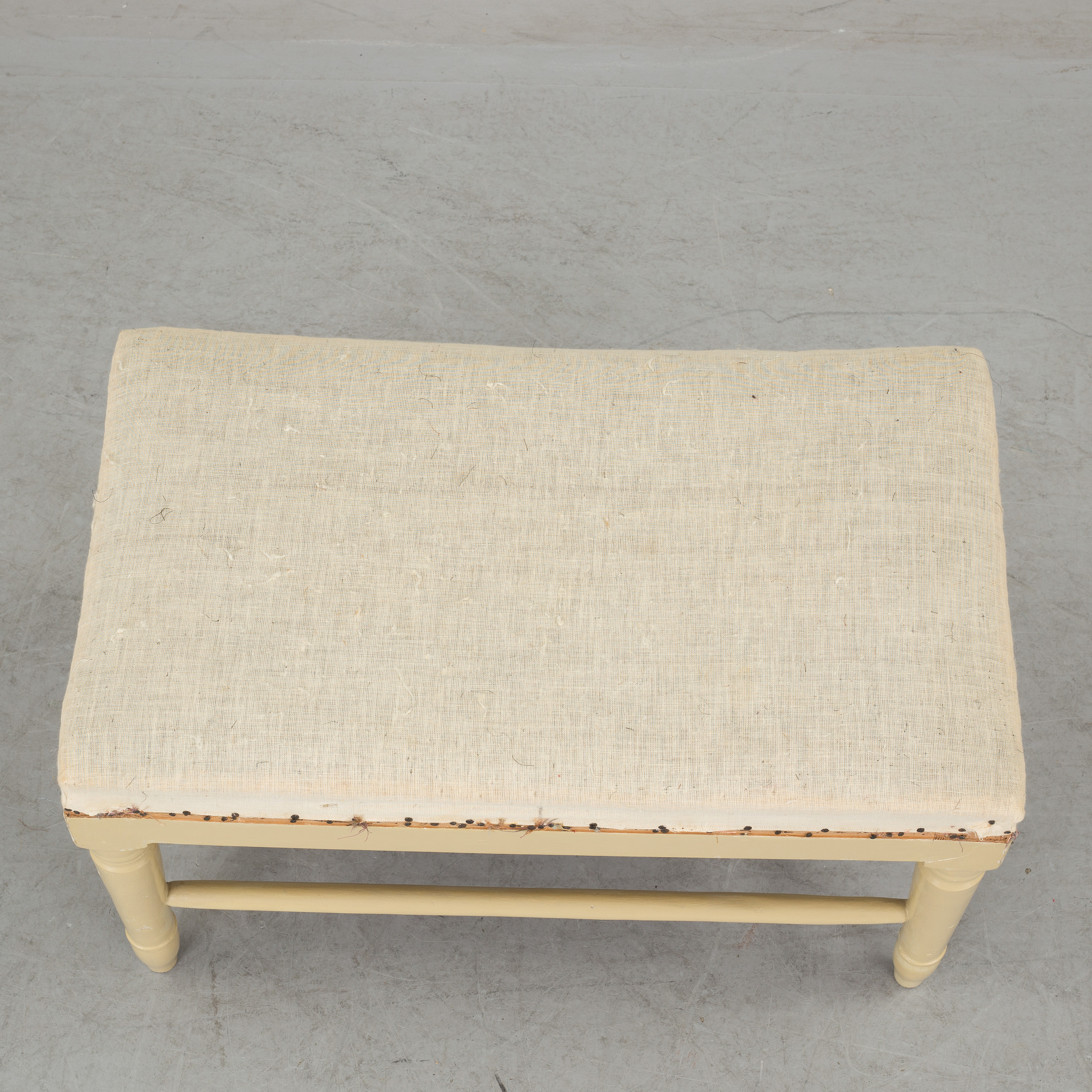 An 18th century Swedish Country style painted bench  - Bukowskis