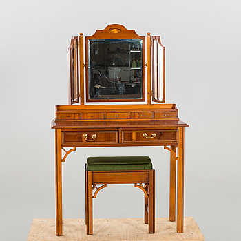 A DRESSING TABLE WITH A STOOL FROM SECOND HALF OF 20TH CENTURY.