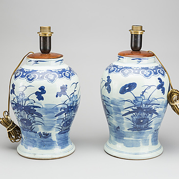 A pair of table lamps, porcelain, China, 20th century,