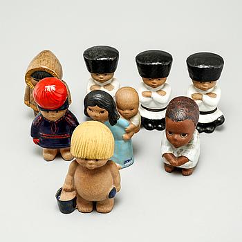 LISA LARSON, figuriner, 8 st, stengods, Gustavsberg, 1900-talets andra hälft.