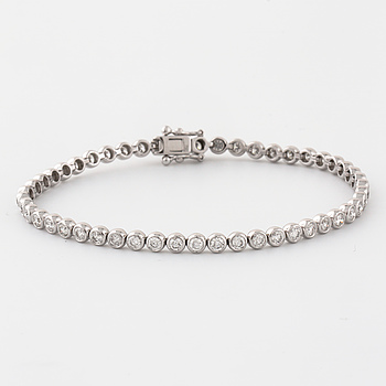 ARMBAND, med briljantslipade diamanter ca 2.85 ct.