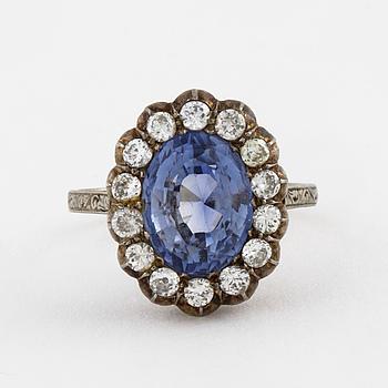 RING, med syntetisk safir, briljant- och gammalslipade diamanter.