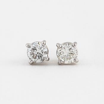 ÖRHÄNGEN, med briljantslipade diamanter totalt ca 0.55 ct.