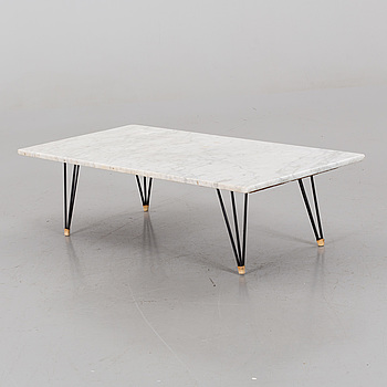A COFFEE TABLE FROM THE MIDDLE OF 20TH CENTURY.