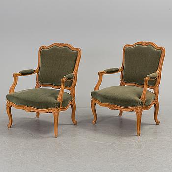 KARMSTOLAR, ett par, Louis XV-stil, 1900-tal.