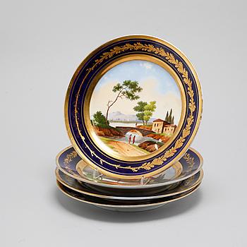 TALLRIKAR, 4 st, porslin, 1800-talets första hälft.