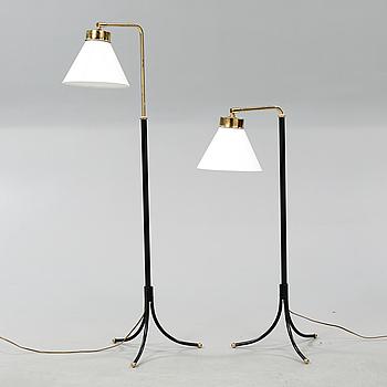 JOSEF FRANK, golvlampor, ett par, modell 1842, Firma Svenskt Tenn.