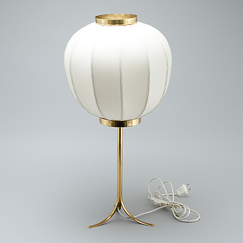 """JOSEF FRANK, bordslampa, modell 2349, """"Kinabollen"""", Firma Svenskt Tenn."""