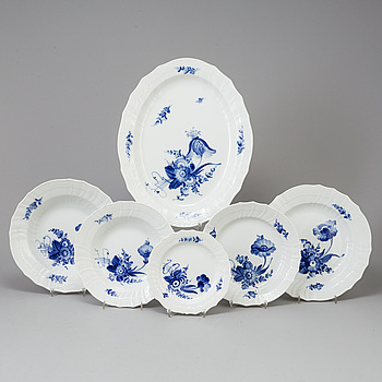 "MAT och KAFFESERVIS, 78 delar, ""Blå blomster"" Royal Copenhagen."