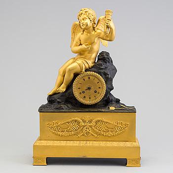 BORDSUR, empire, förgylld och patinerad brons, Frankrike 1800-talets början.