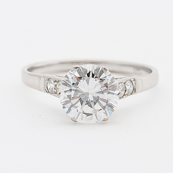 RING, med briljantslipad diamant ca 1.50 ct. Ryssland.