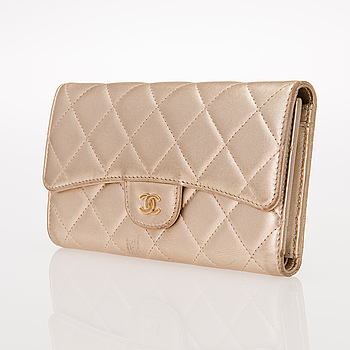 CHANEL, LEATHER L FLAP WALLET.