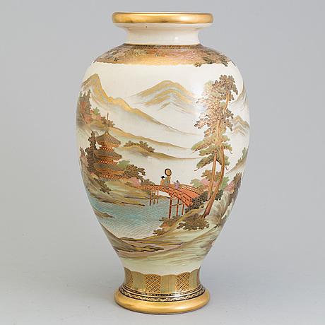 Vas, satsuma. japan, 1900 talets första hälft