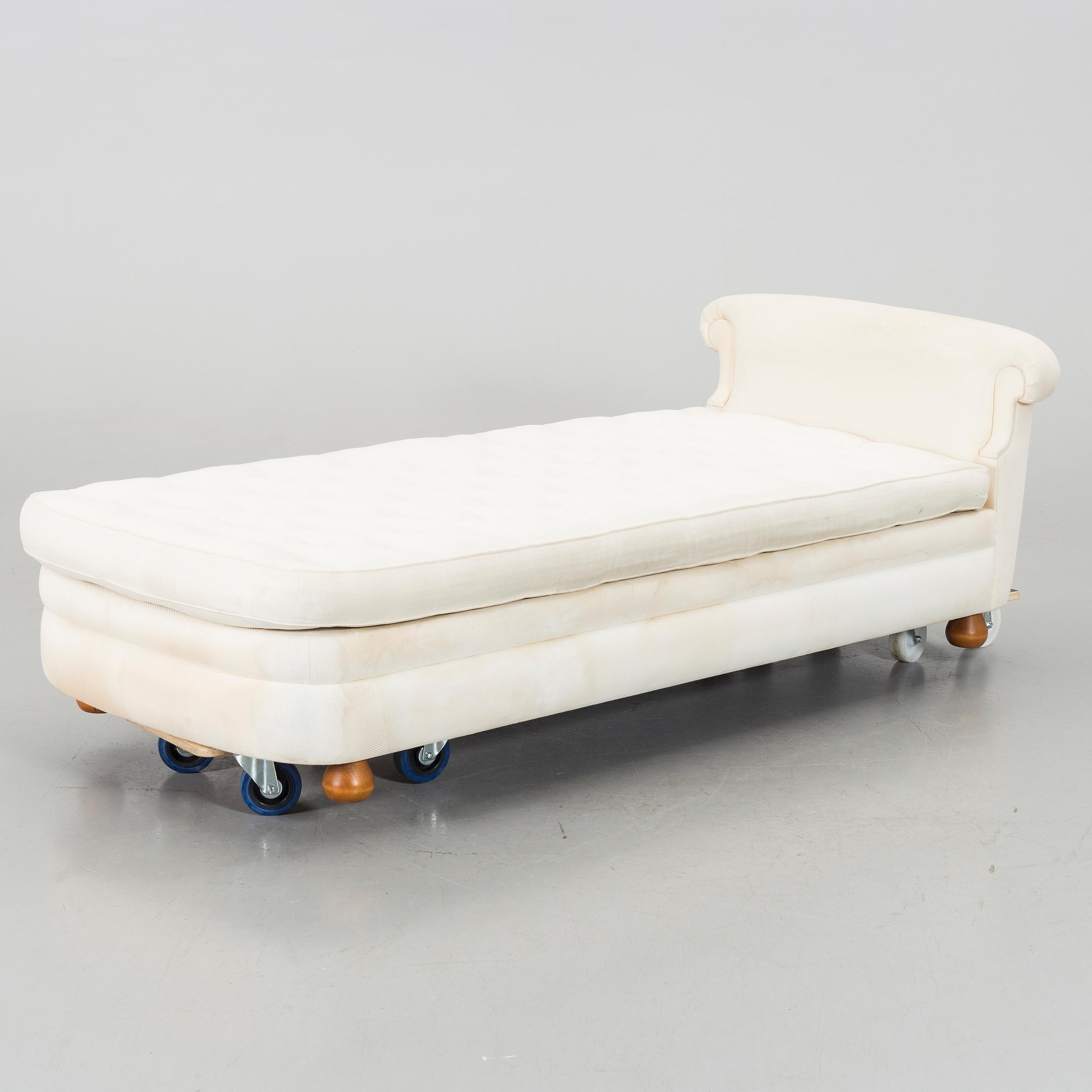 JOSEF FRANK, dagbädd, modell Couch 775, för Firma Svenskt Tenn Bukowskis