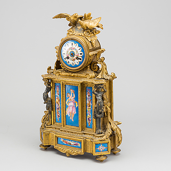 BORDSPENDYL Frankrike omkring 1900 Ny-Louis XVI.