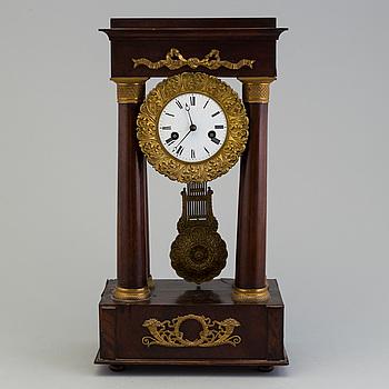 BORDSPENDYL, senempire, 1800-talets början.
