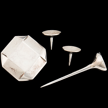A silver Golf point, a box and two ball markers by Georg Jensen.
