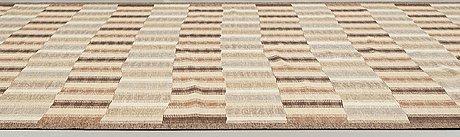 Brita grahn, a carpet, flat weave, ca 879,5 x 355 cm, signed b grahn (brita grahn).
