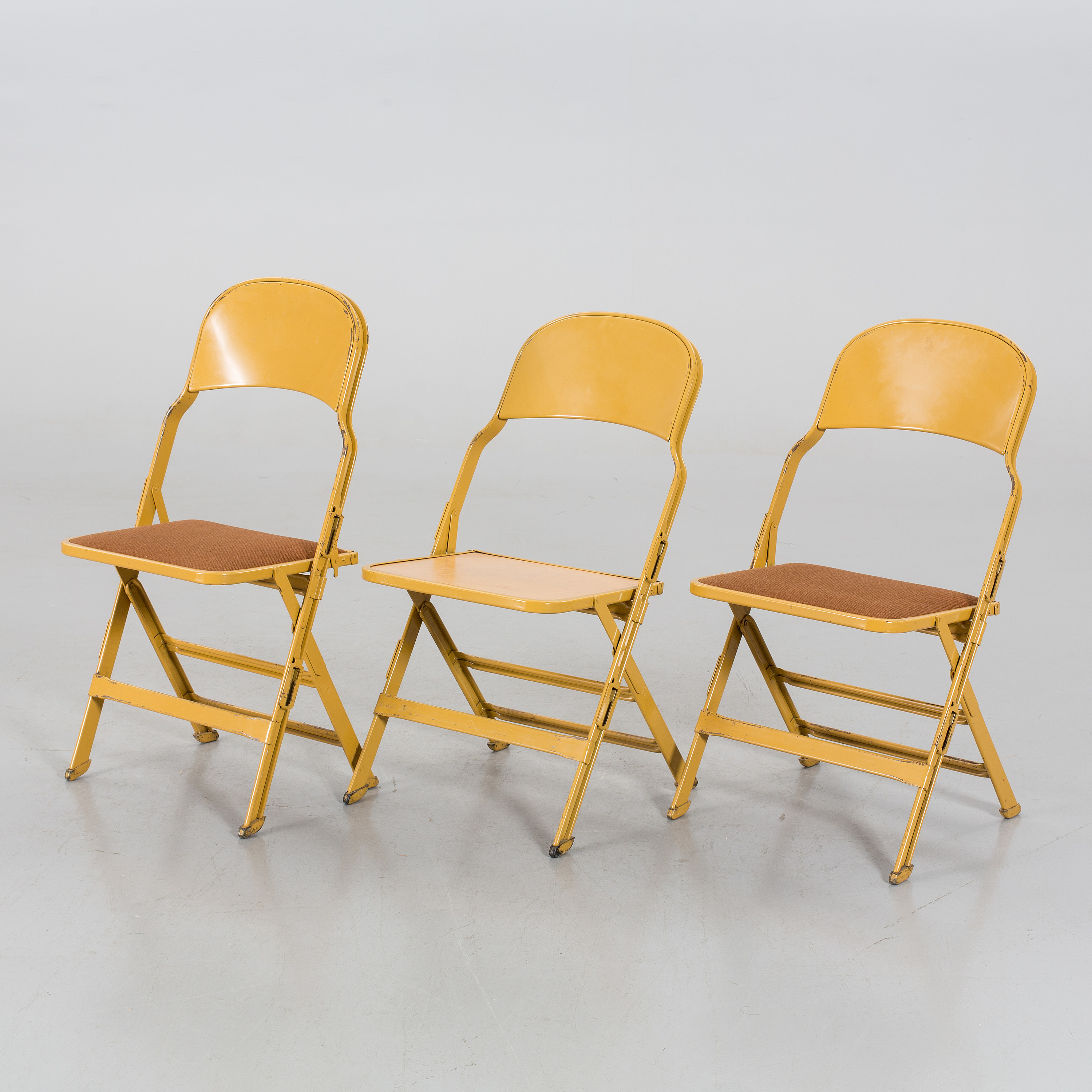 Prime A Set Of 3 Folding Chairs By Clarin Mfg Co Chicago Usa Bralicious Painted Fabric Chair Ideas Braliciousco