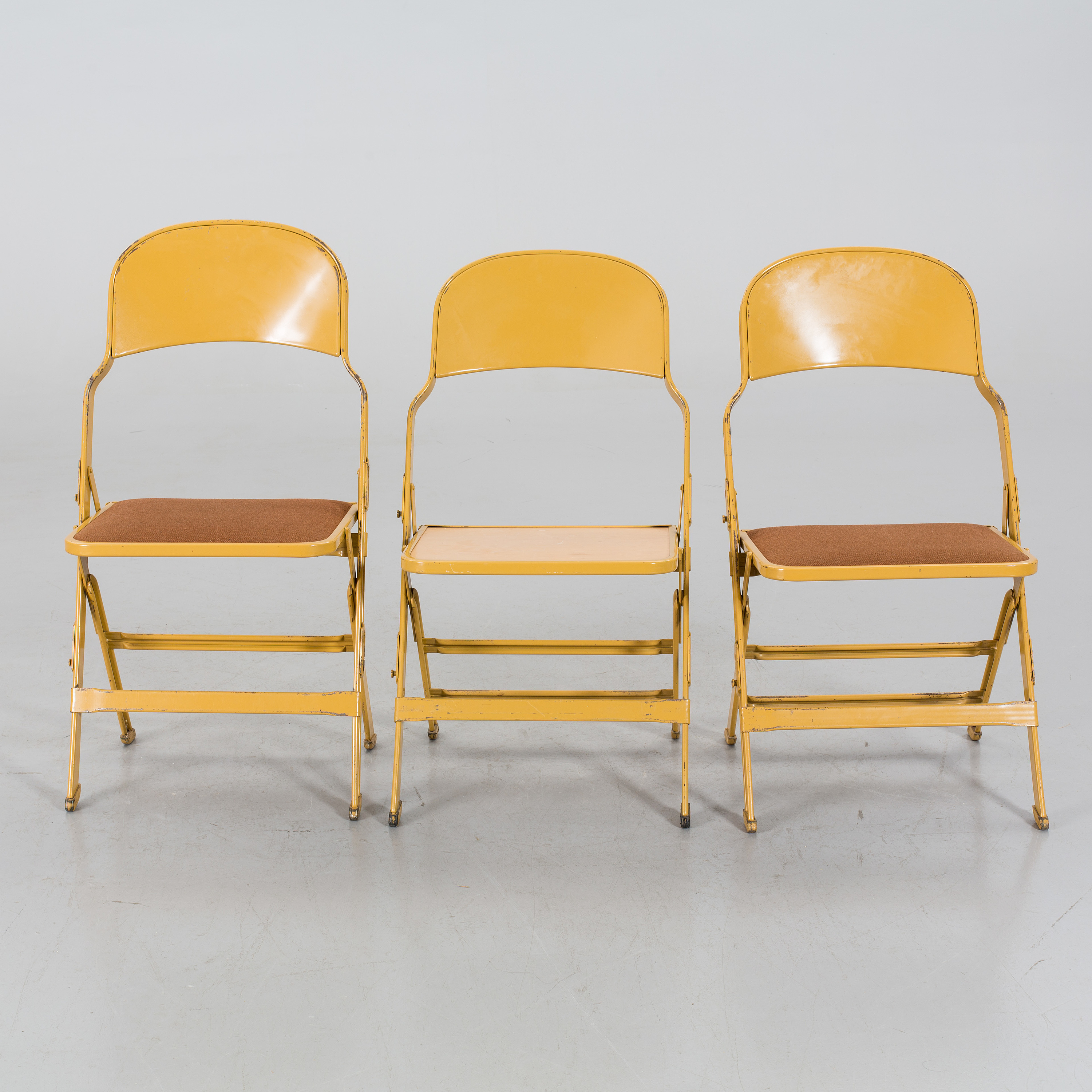 Wondrous A Set Of 3 Folding Chairs By Clarin Mfg Co Chicago Usa Bralicious Painted Fabric Chair Ideas Braliciousco