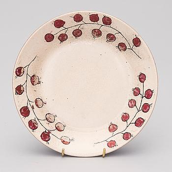 BIRGER KAIPIAINEN, A ceramic dish signed Kaipiainen.