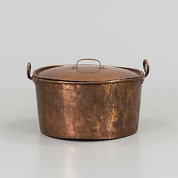 KITTEL MED LOCK, koppar, sent 1800-tal.
